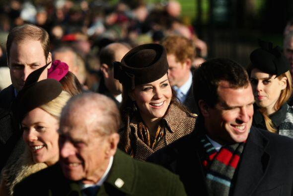 También los padres de Kate, Carole y Michael, así como sus hermanos, Jam...