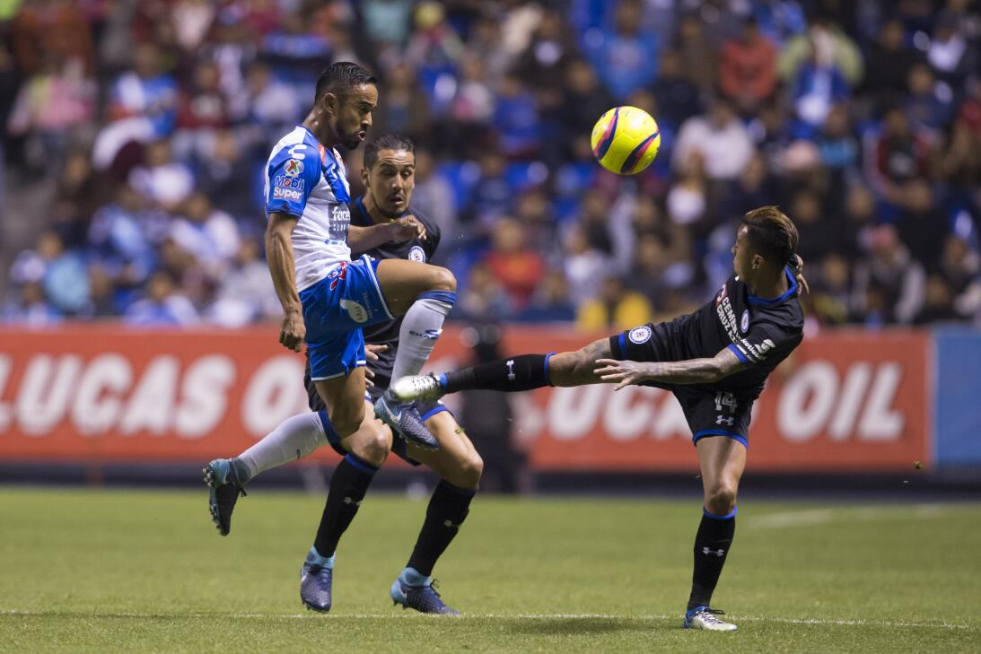 Cruz Azul venció a Puebla 2-0 en Copa MX 20180207-2247.jpg