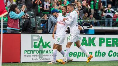 Raúl celebra su gol para pasar a la final.
