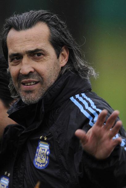 De técnico interino, Sergio Batista pasó a ser el técnico oficial del se...