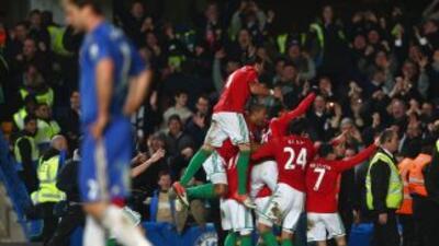 Swansea celebra ante un Chelsea impotente.