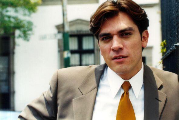 """En 1998, fue invitado a participar como protagonista en la telenovela """"T..."""