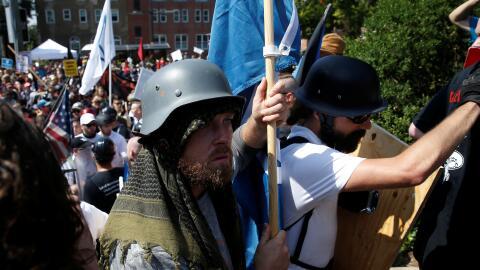 Supremacistas blancos durante la marcha de Charlottesville.