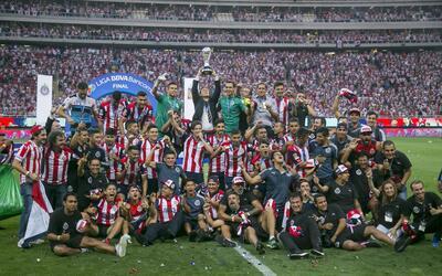 Chivas enfrentará al campeón del fútbol colombiano.