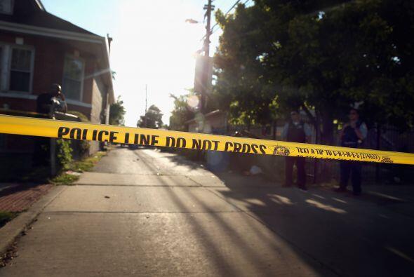 La pequeña fue herida cuando estalló un tiroteo en un callejón entre las...