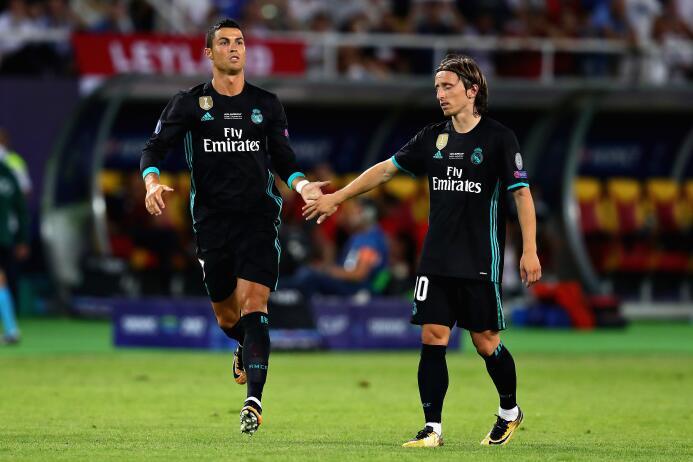 La ovación llegó al minuto 83 cuando Zidane decidió darle minutos a Cris...