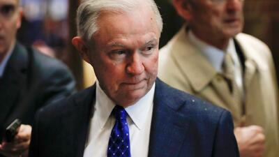 Sessions prohíbe a los jueces archivar casos de deportaciones de inmigrantes sin antecedentes penales