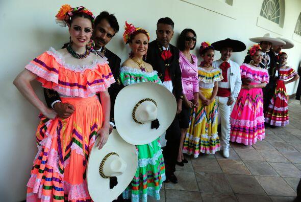 Para las chicas, el look de bailarina tradicional es uno de los m&aacute...