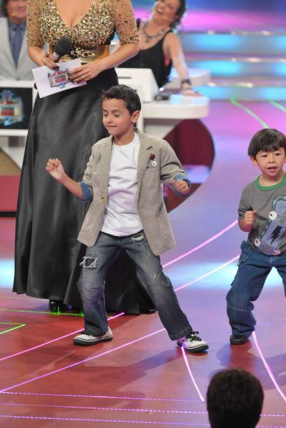 Patc también quiso sacar sus mejores pasos de baile sobre el escenario.