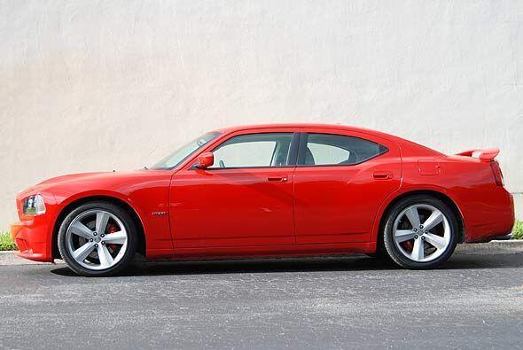 El peso ultraliviano de este modelo lo convierte en un auto sumamente ve...