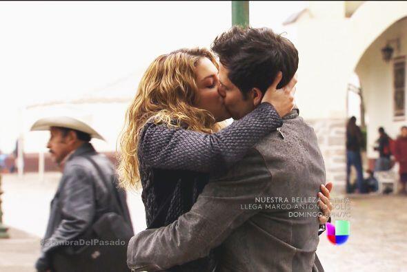¡Fue con un apasionado beso de despedida que Valeria recordó viejos tiem...