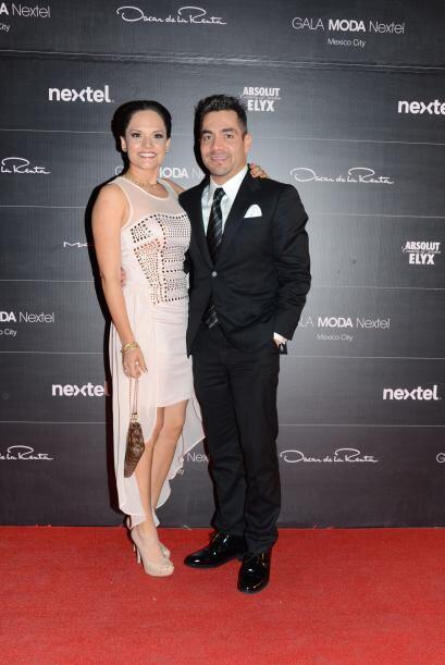 """Omar Chaparro y su esposa """"La Mojarrita"""" no fueron de los más puntuales,..."""