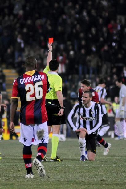 La cosa empeoró para Juventus cuando Leonardo Bonucci se ganó la tarjeta...