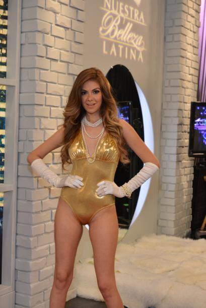 Elsa Chumacera de México, audicionó en Houston. Ella es una de bellas qu...