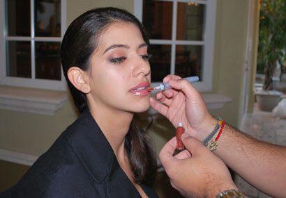 El último complemento a tu maquillaje siempre será el brillo labial.