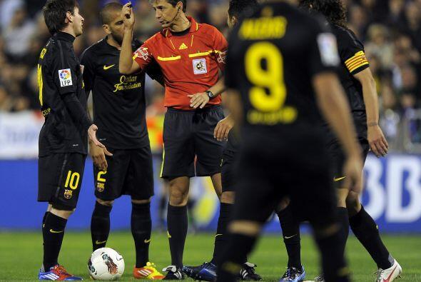 A 6 minutos del final del partido, Messi ejecutó un penalty para Barcelona.