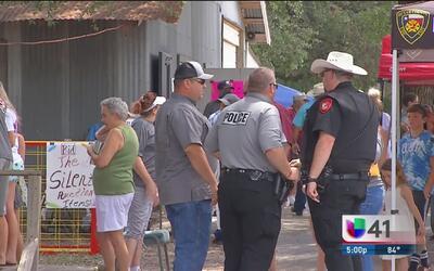 Residentes de San Antonio se unieron para ayudar a bombero herido
