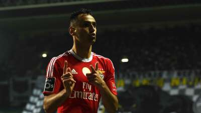 Un gol de Jonas en el 93 salva al Benfica y le devuelve al liderato