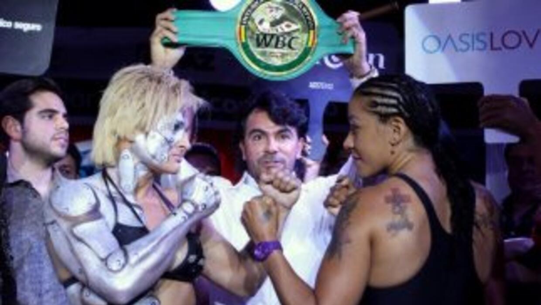 Oliveras y Farías en peso (Foto: Cancún Boxing).