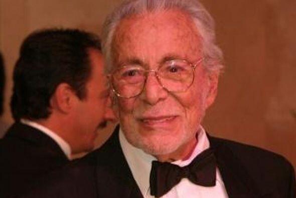 Ernesto Alonso es considerado 'El señor Telenovela', por su gran y exten...