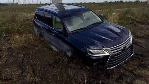 Jaime se quedó varado en una Lexus LX570 2017. Una camioneta cons...