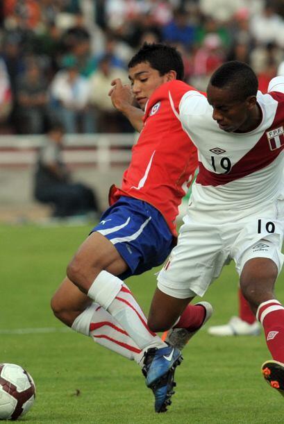 Lorenzo Reyes, a los 52 minutos y José Martínez, a los 59, metieron los...