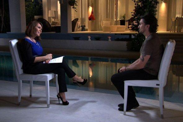El exitoso músico colombiano, Juanes, dio una entrevista a Maria Elena S...