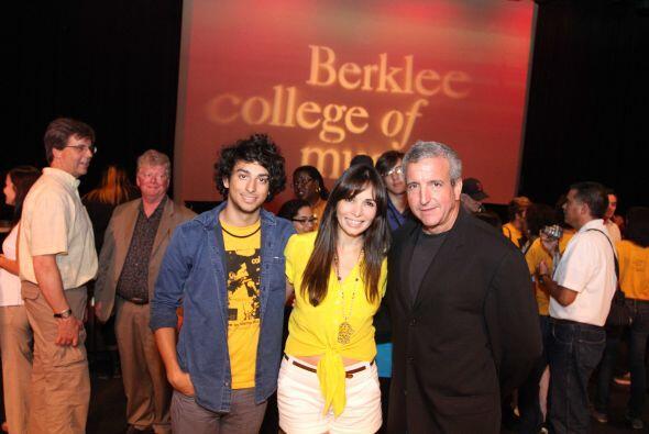 Gigi fue invitada a la graduación de 200 estudiantes, incluyendo su hijo...