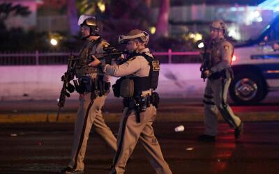 La policía respondiendo a los reportes de un tiroteo durante un c...