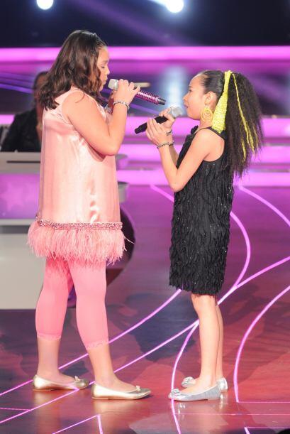 Las dos pequeñas interpretaron su canción con mucho entusiasmo.