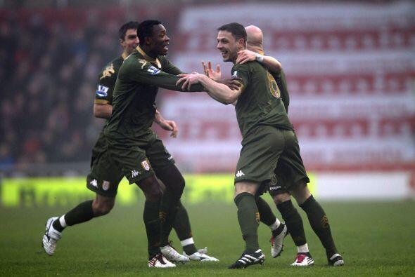 Marcó dos goles y de ese modo ganó el Fulham por 2-0.