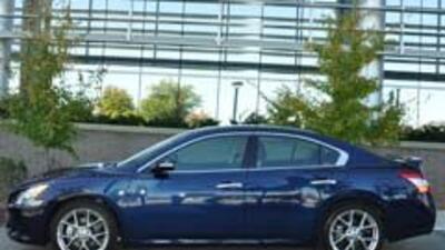 Los nuevos sedanes 2010 de Nissan