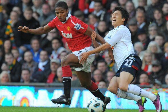 Antonio Valencia dejó bien claro que quiere recuperar su puesto entre lo...