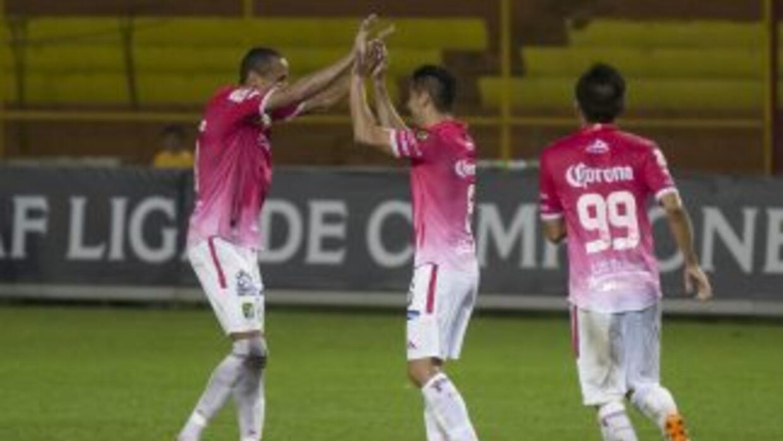 León ganó en El Salvador