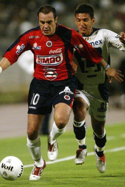 En el 2004 jugó 15 partidos y convirtió 5 goles con la camiseta del Vera...