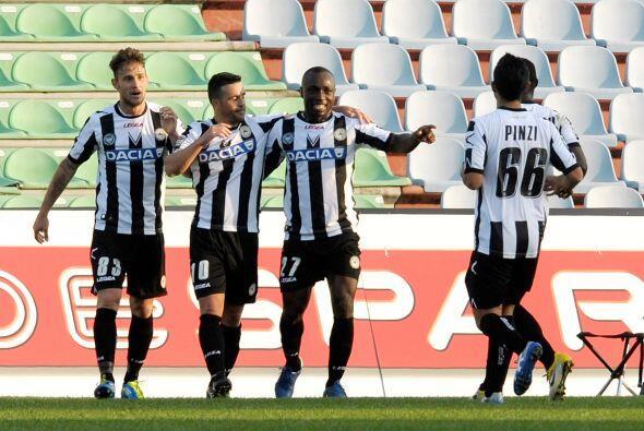 El líder de goleo Antonio Di Natale puso en ventaja a Udinese.