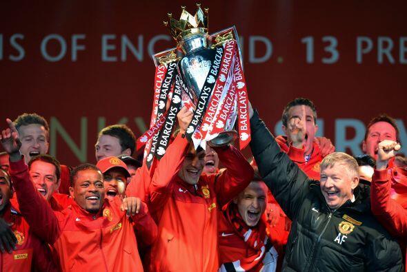 El campeón de la Premier League, Manchester United, buscar&aacute...