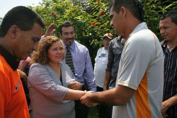 También agradecieron el gesto de los jugadores emplumados. (Foto: Cortes...
