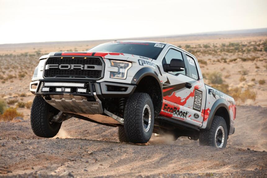 "Ford F-150 Raptor 2017 llega a ""Best in the Desert"" Raptor-Action-21-C1.jpg"