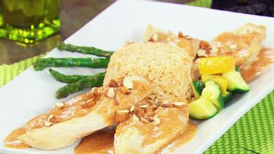 Comienza la semana con un delicioso Pollo Almendrado