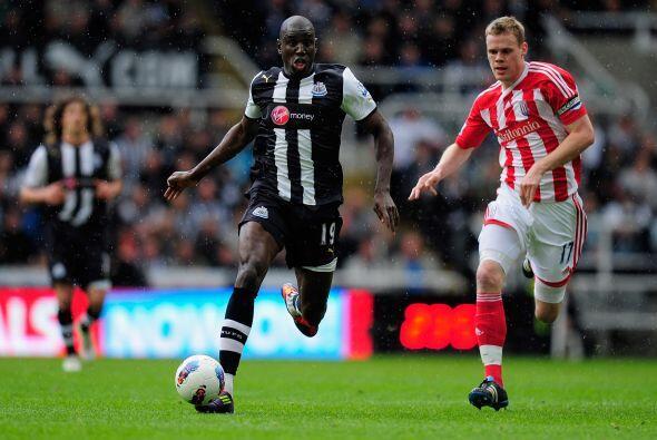 En otro de los duelos del sábado, Newcastle goleó 3 a 0 al Stoke City.