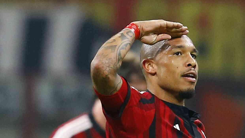 Nigel de Jong celebra con AC Milan