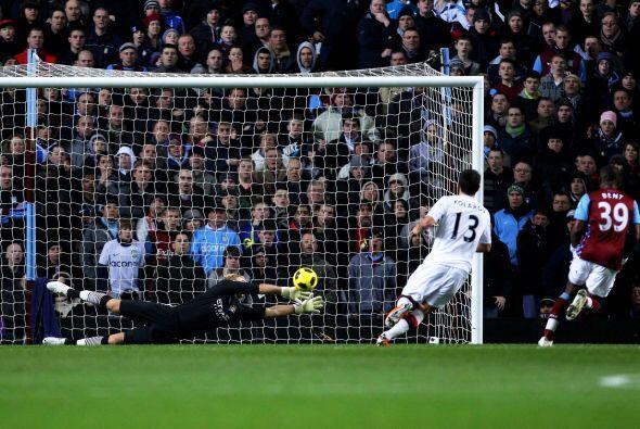 El único gol lo marcó   Darren Bent en su primer partido con la camiseta...