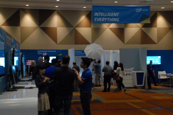 El evento de investigación de Intel, reúne 20 proyectos al...