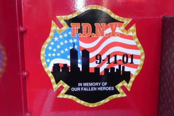 Carro bombero recuerda a sus caídos el 9/11 2862b8e9f0d24a9495d6254e8590...