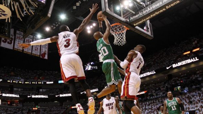 Por primera vez en cinco años el Heat de Miami avanza a la semifinal de...