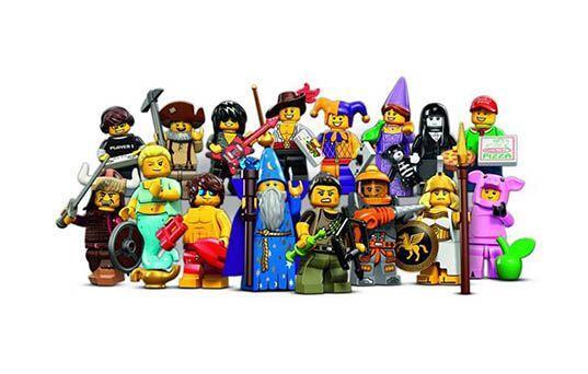 LEGO Minifigures.  Con los figurines en miniatura de LEGO, tu niño la pa...