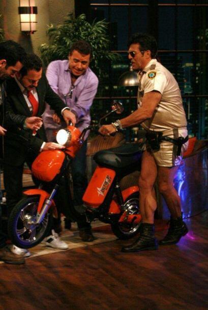 Para andar en moto no hay dos como él, pues además de hacer muy buenas m...