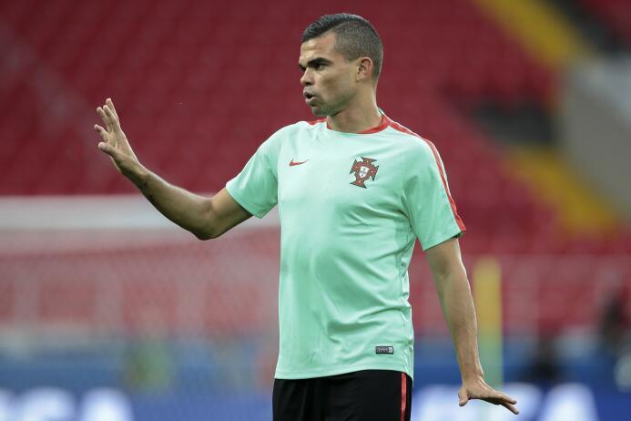 Pepe, que no seguirá en el Real Madrid tras no renovar, negocia con el B...