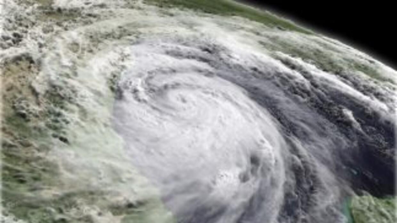 """La debilitada tormenta """"Hermine"""" continúa su ruta por el sur del estado..."""